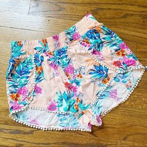 🦋HP • SUMMER FLORAL SHORTS SIZE SMALL